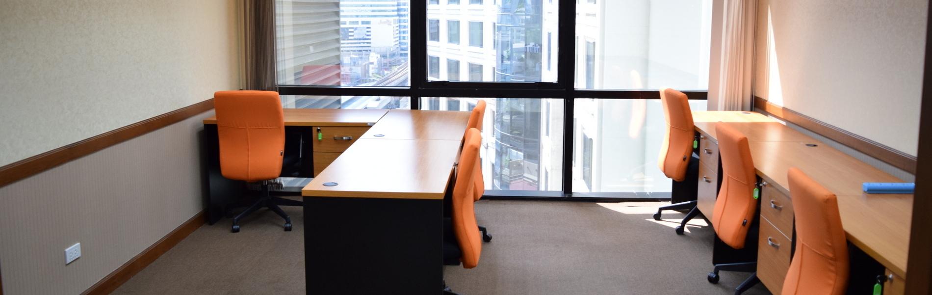日本語対応の常勤スタッフ